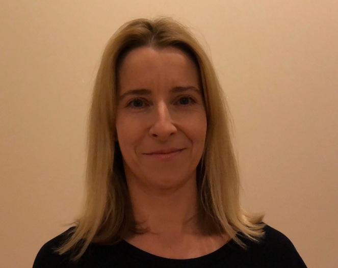 Author Photograph Helen Rolfe (4)